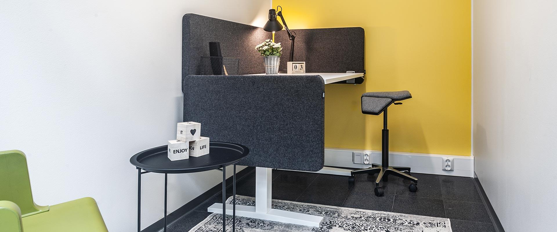 Keltainen-toimisto-koko-toimisto-1