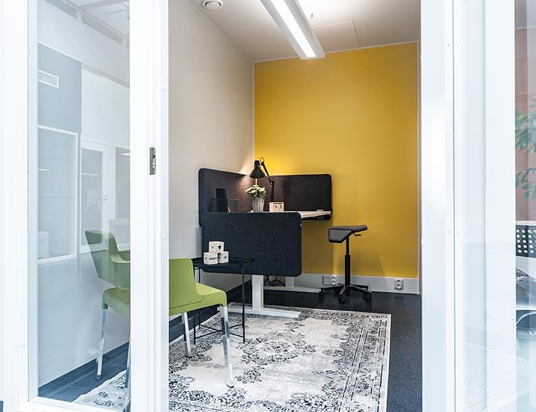 Keltainen-toimisto-koko-toimisto-2